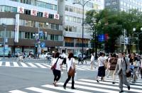 学校が入っているビル前の交差点